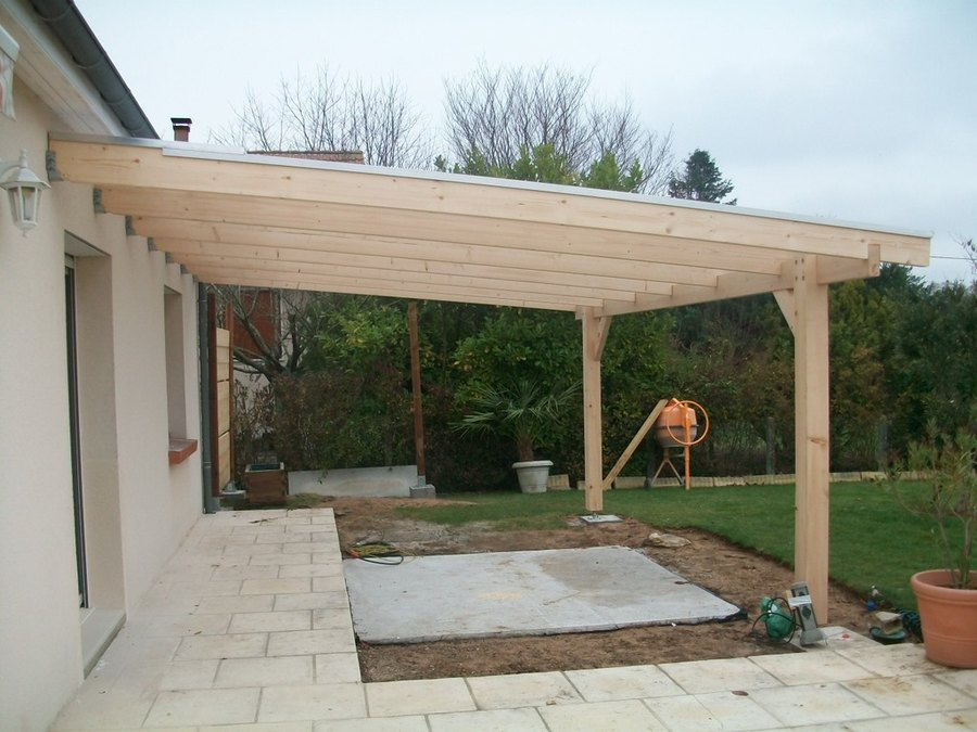 Pergola x metres sapin toiture polycarbonate for Construire une terrasse couverte
