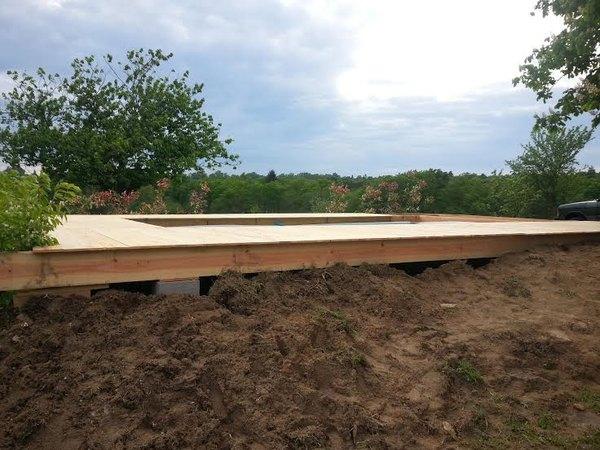 Terrasse bois contour piscine hors sol for Cloture pour piscine hors sol