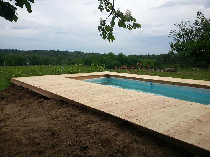 Terrasse contour piscine hors sol